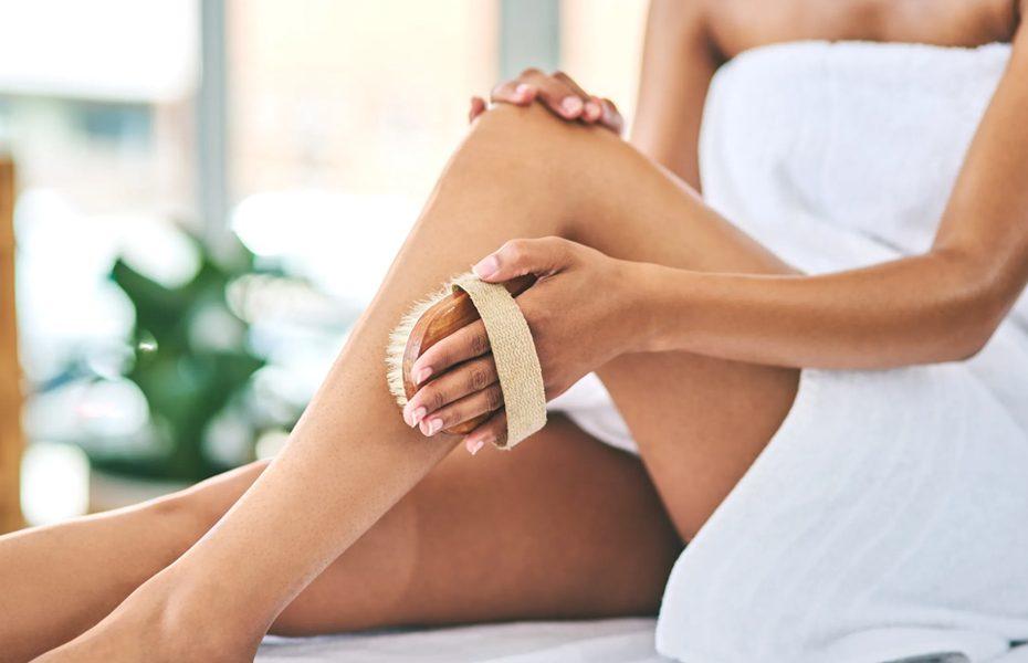 Body-Brushing-to-Reduce-Cellulite